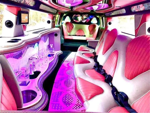 the pink limo roze hummer limousine huren antwerpen brussel Limousine Verhuur Antwerpen.htm #3
